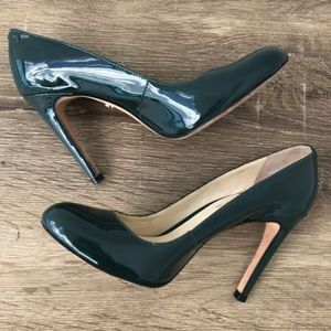 Anthro Guilhermina round toe patent leather heels
